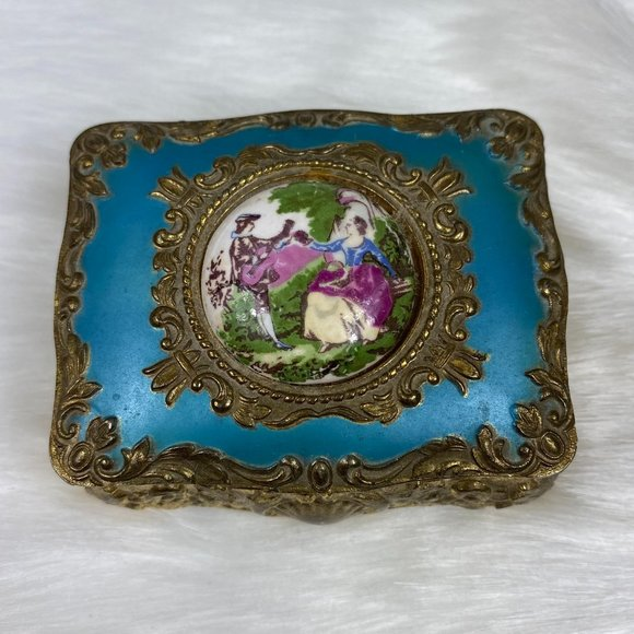 Vintage Japan Courting Couple Cameo Trinket Box